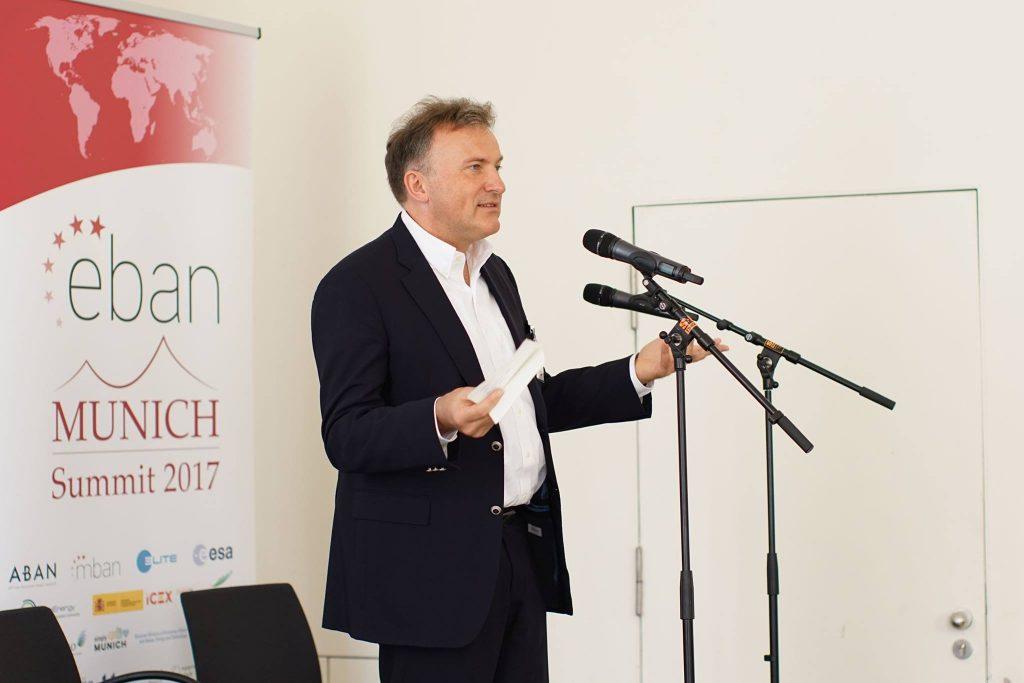Tom Schulz presents the Investmentwende at EBAN Summit Munich 2017